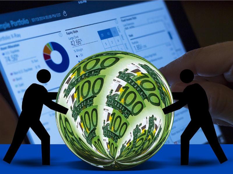 ¿Cuál es la diferencia entre transacciones y operaciones en moneda extranjera según NIIF?